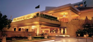 Deluxe Hotels in Mumbai