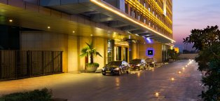 Hotels Around Delhi Airport