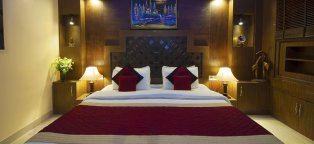 Hotels in Delhi India near Airport